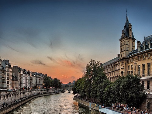 Paris_seine-river